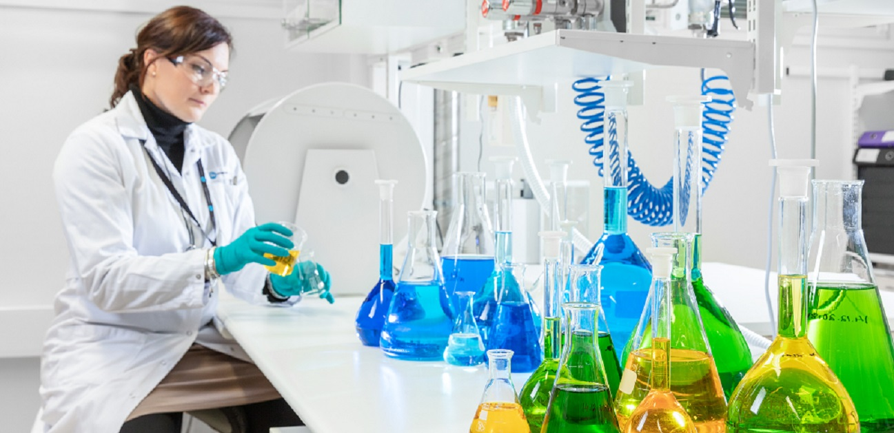 """<img src=""""laboratory.jpg"""" alt=""""chemist conducting analyses in the laboratory for product development and production of IMPs """">"""